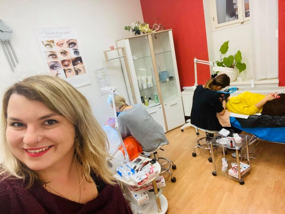 Kurzy Pretty rekvalifikační středisko permanentní make-up